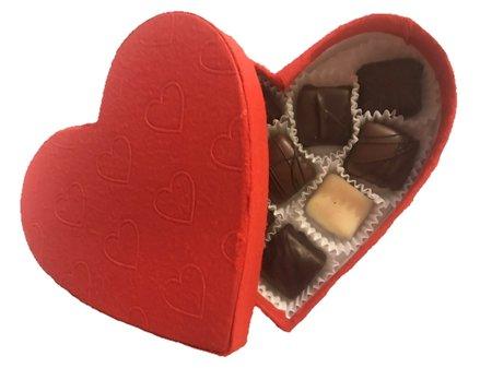 CHOKLADBUDET - Stort hjärta fylld med handgjorda praliner