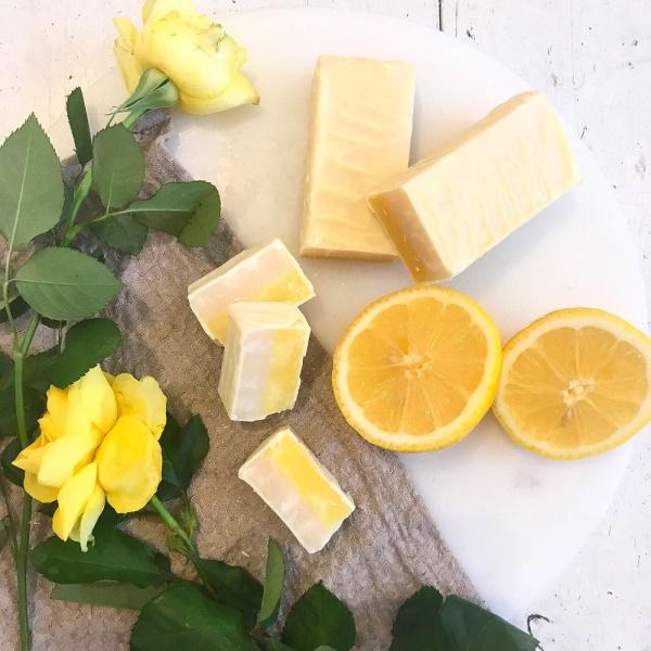 CHOKLADBUDET - Mjuk Fudge med smak av Lemon Curd & Maräng