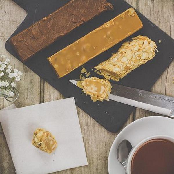 CHOKLADBUDET - Mjuk Fudge med smak av Smarties