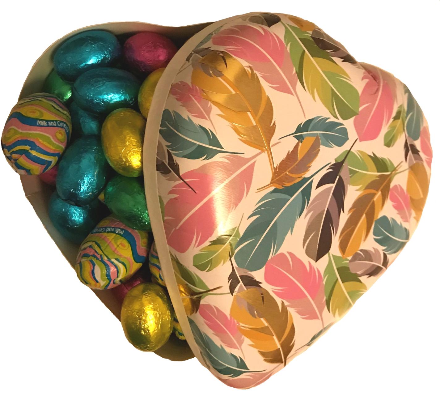 CHOKLADBUDET - Vackert hjärtpåskägg med goda chokladägg